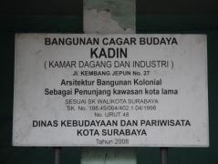 Plakat Gedung Kadin