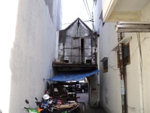 Gapura Kraton  Surabaya di lihat dari Belakang