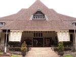 Bangunan Rumah Gubernur B